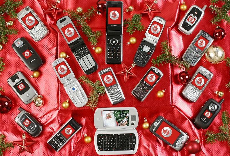 Vodafone o Vánocích: 15 nových mobilů pro UMTS – MobilMania.cz