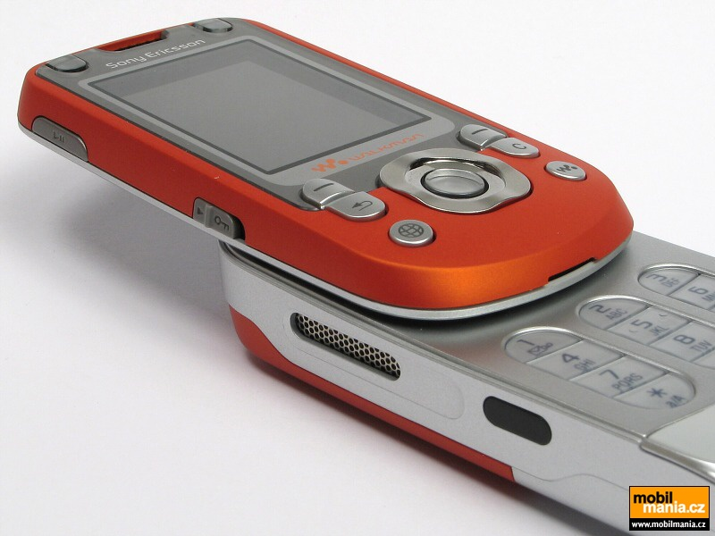 Sony Ericsson W550 pictures, official photos