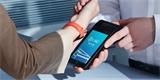 Nové příslušenství od Xiaomi. Populární náramek dostal NFC, v miniprojektoru běží Android TV