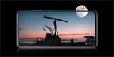 Uniklo promo video k Samsungu Galaxy S20 FE. V minutě shrnuje vše důležité