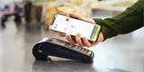 Apple Pay slaví rok v Česku. iPhonů je méně, přesto překonávají Google Pay a spol.