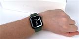 Apple Watch Series 7 jsou nenápadný upgrade. Větší displej jim ale moc sluší