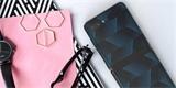 Samsung obléká skládací Galaxy Z Flip do nalepovacích skinů. Na výběr jich je 11