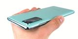 Testujeme Galaxy S20 FE. Samsung se konečně nebojí experimentovat s barvami