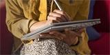 Dotykové pero se dobije pouhým položením na tablet či mobil. Klíčem je NFC