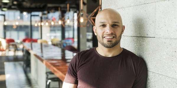 e3fb59b12 Spoluzakladel a ředitel českého start_upu OneProve Marvan Shamma. Jeho  projekt spojuje umělou inteligenci a mobilní