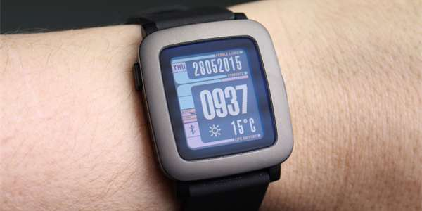Pebble Time: jdou proti Apple Watch i Android Wear