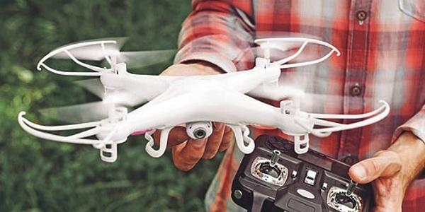 Velké změny pro piloty dronů: Povinná registrace, zákaz ...