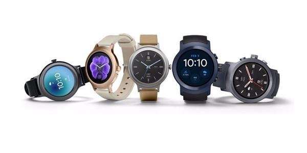 Aktualizace Oreo pro Android Wear  chytré hodinky budou konečně umět česky  – MobilMania.cz fbb0906079