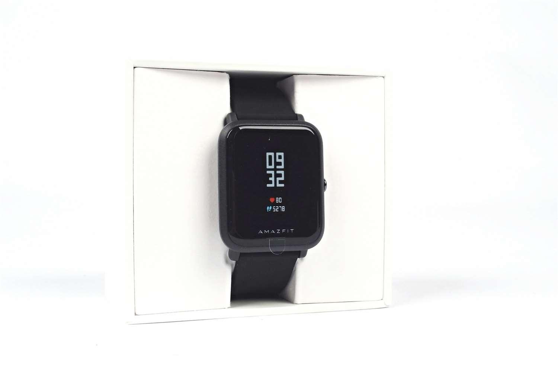 Rozměrově patří hodinky mezi ty menší – hmotnost 39 gramů při velikosti  35×40 mm e24449d780