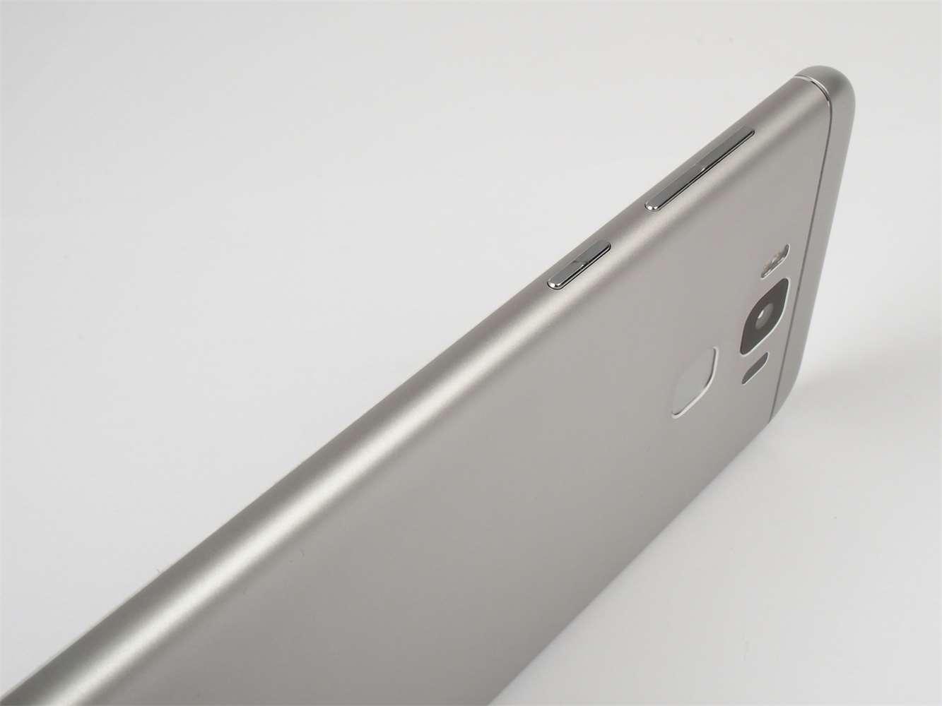 Galerie - Asus Zenfone 3 Max (ZC553KL)  větší a lepší  recenze ... c23803c2919